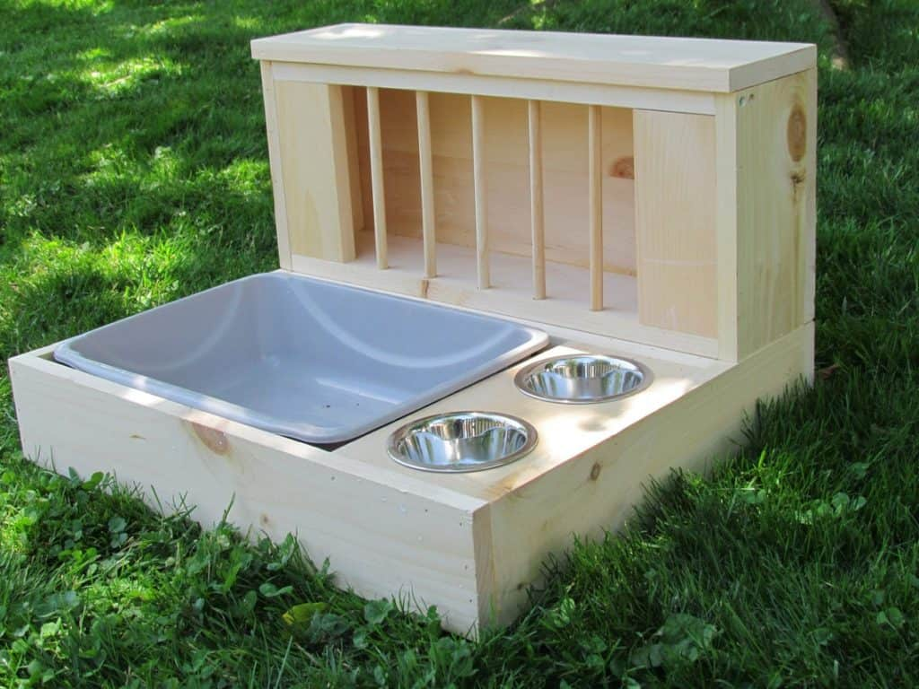 Image of A rabbit Feeder